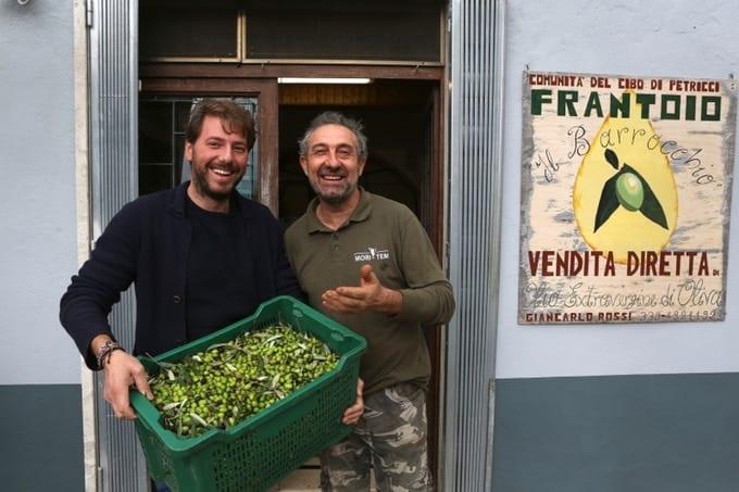 De slimme olijfoliefles met olijfolie abonnement
